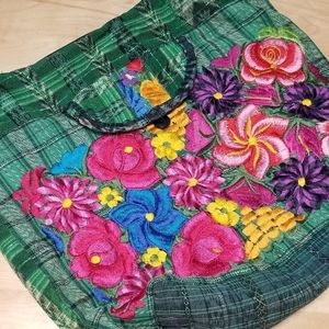 BEAUTIFUL EMBROIDERED BEACH BAG | PINK & GREEN